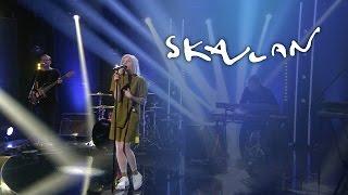 """AURORA """"Conqueror"""" Live on Skavlan"""