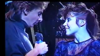Barry Manilow sings with my niece Angie Riggs