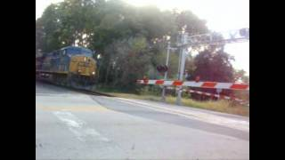 preview picture of video 'CSX Trains Highballing at Wilmington, DE and Ridley, PA'