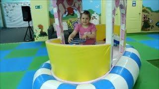 """Алиса на детской площадке """"Тортуга"""" * Alice in the playground """"Tortuga"""""""