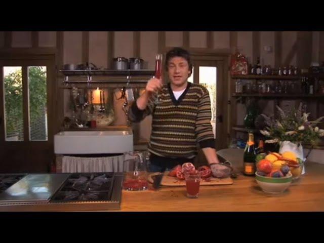 Jamie Oliver's amazing Christmas pomegranate cocktail