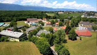 preview picture of video 'Vue aérienne par drone du village d'aigue verte en suisse'