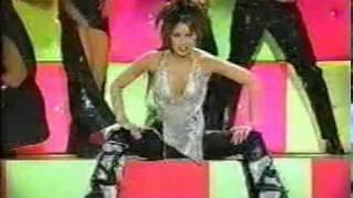 Thalia - Premios Lo Nuestro 2001 (Arrasando)