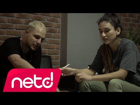 Dilara Ural feat. Berk Sapmaz - Kimin İstersen Ol Sözleri