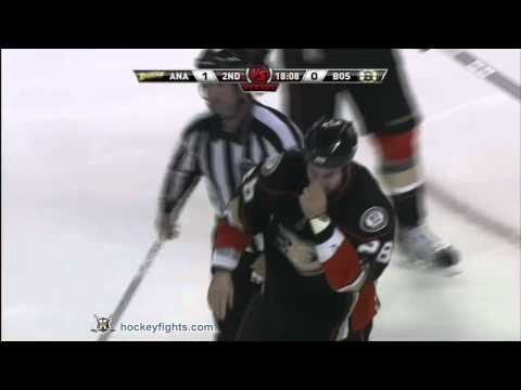 Gregory Campbell vs. Kyle Chipchura