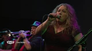 Rae Gordon & The Backseat Drivers - Swing Me (101.9 KINK)