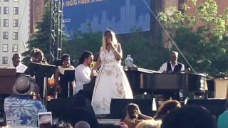 Aretha Franklin - Do Right Woman, Do Right Man (6-10-17)