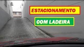 Estacionamento E Semáforo Com Ladeira