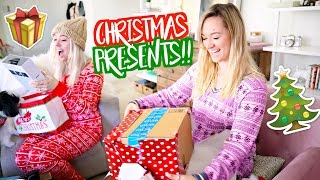 Download Youtube: OPENING CHRISTMAS PRESENTS!! Vlogmas Day 24!!