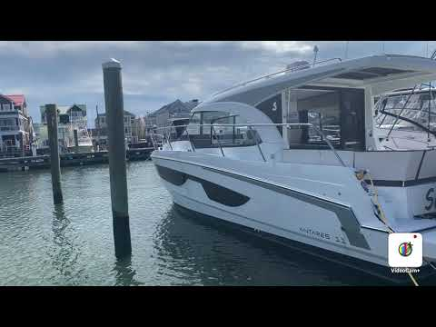 Beneteau America Antares 11 video