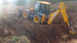 Копаем пруд. Экскаватор JCB 4CX.
