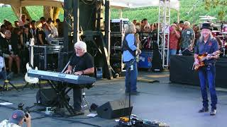 Doobie Brothers - Minute By Minute - Video - Benefit Concert