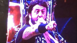 Dave Grohl Destroys A Heckler During Foo Fighters Show