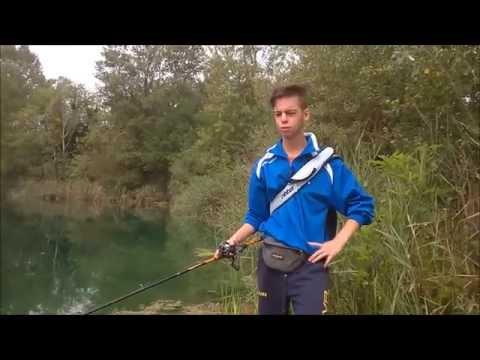 Trofeo di gioco che pesca da una filatura