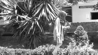 Zoe-Poli  (Video no oficial)