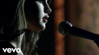 <b>Selena Gomez</b>  Same Old Love