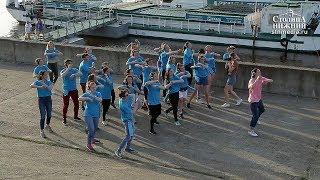 Актриса Ирина Горбачева провела в Нижнем Новгороде сеанс танцевальной терапии «Я танцую по Москве»