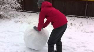 Лепим снеговика!