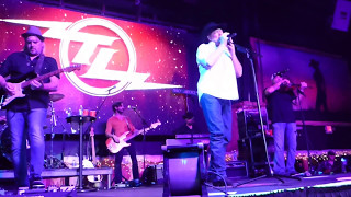Tracy Lawrence - Now That the Magic Has Gone [Joe Cocker cover] (Houston 12.11.15) HD