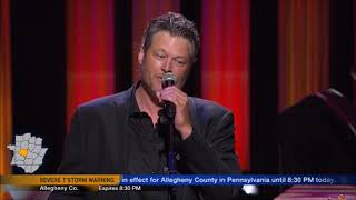 "Blake Shelton sings ""Honey Bee"" Live in Concert 2018 in HD"