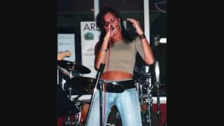 Beatrice Bucci - Time is a jailer (Anouk)