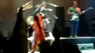 preview picture of video 'Si el amor se cae - Los cafres en el gei ituzaingo'