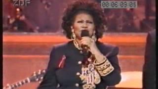 Aretha Franklin featuring Elton John Smokey Robinson and Rod Stewart - Chain of Fools