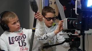 Приглашаем деток в нашу кино школу!))