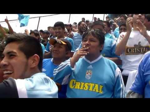 """Sporting Cristal - Garcilazo 2013 -  Cantando con la Guardia Xtrema en el 5 a 2.."" Barra: Gvardia Xtrema • Club: Sporting Cristal"