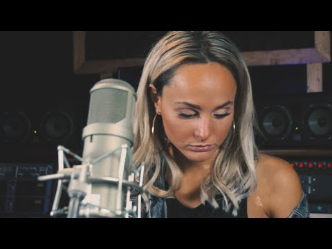 Download A STAR IS BORN - SHALLOW cover (LADY GAGA AND BRADLEY COOPER) Mp4 HD Video and MP3