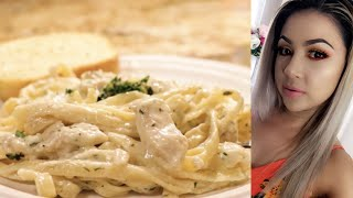 Super Easy and Delicious Homemade Chicken Alfredo