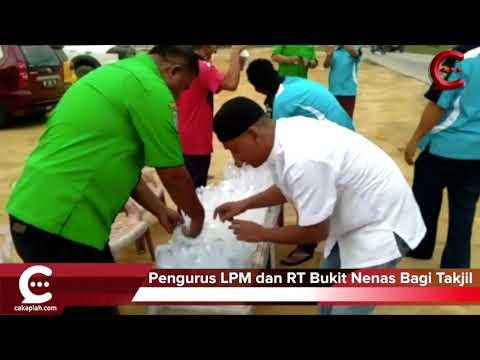 LPM dan Ketua RT Bukit Nenas Bagi-bagi Makanan Takjil