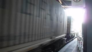 preview picture of video 'E655.077 con un merci per Bicocca, in transito a Roma Tiburtina'