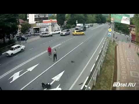 Женщина за рулем Hyundai Getz стала причиной гибели байкера в Сочи