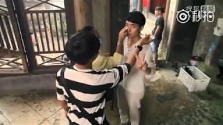 """【朱一龙】育婴室拍摄花絮,龙哥一本正经对女鬼说""""能下来吗?""""醒醒龙哥,这是恐怖片"""