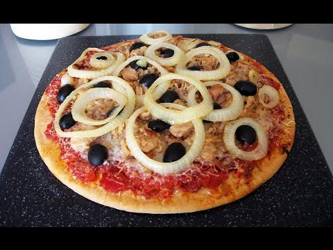 Pizza de atún, queso, cebolla y aceitunas + Truco para que quede crujiente