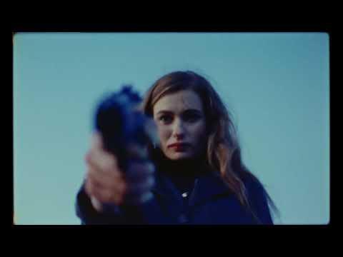 ЛУНА - Золотые Лепестки (Official Video)