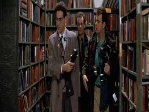 Istjerivači duhova na zadatku u knjižnici