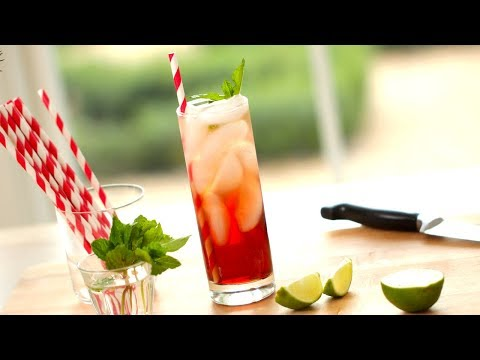 Video How To Make Non-Alcoholic Drinks for The Holidays! | ENTERTAINING WITH BETH