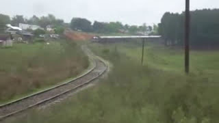preview picture of video 'Saliendo de Tacuarembó con carga de madera.'