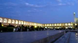 preview picture of video 'Naqsch-e Dschahān ميدان امام bei Nacht / at sunset - Isfahan Esfahan, Iran اصفهان HD'