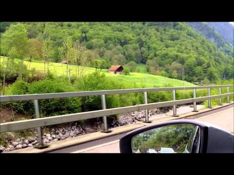 سويسرا .الطريق من إنترلاكن إلى قرية الشلالات