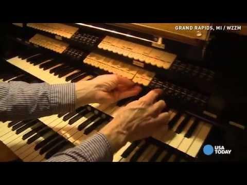 Home for sale has hidden 2300-piece pipe organ