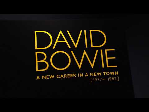 David Bowie - A New Career In A New Town - unboxing video