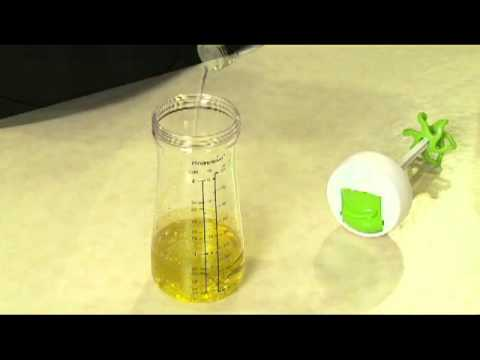 Dressing Shaker - Kitchen Gadget Demo - Progressive International