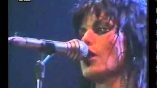 Joan Jett and The Blackhearts - Shout (live in Germany 1982)
