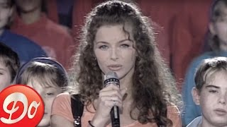 Manuela Lopez - Mon Beau Sapin (O Tannenbaum / Christmas Tree)