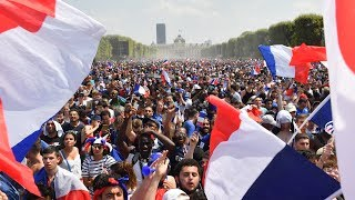 France v Croatia : Celebrations in Paris as France win the World Cup - live!
