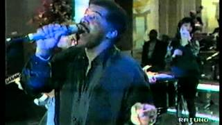 Ben E. King performs with Def Leppard — Stand By Me