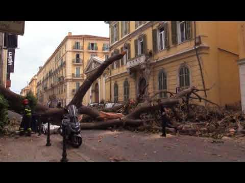 SANREMO : ANCORA CHIUSA AL TRAFFICO VIA ROMA